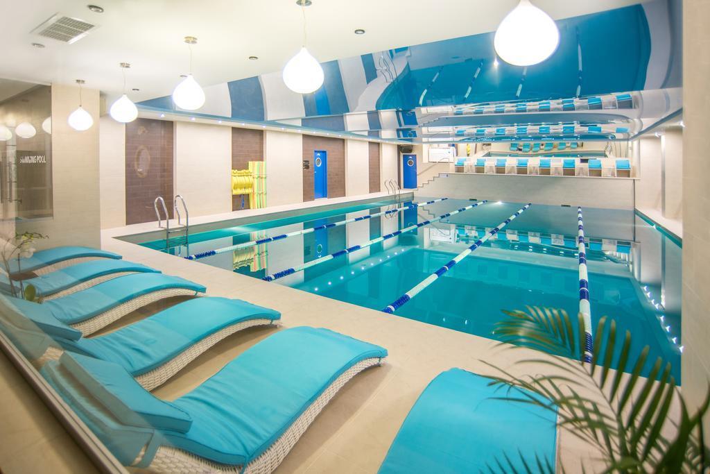 Top các bể bơi nước mặn ở hà nội sạch mà rẻ hiện nay