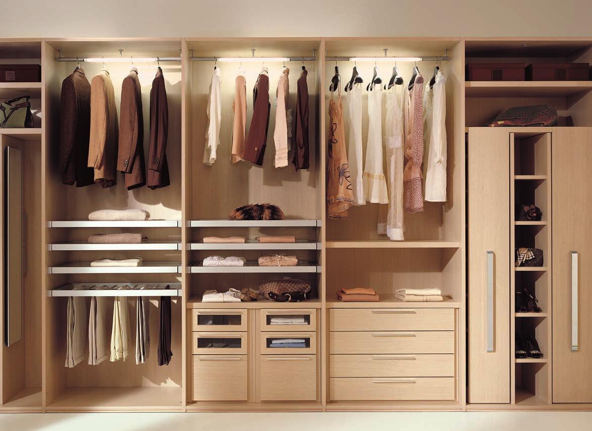 Những mẫu tủ đựng quần áo kiểu hiện đại